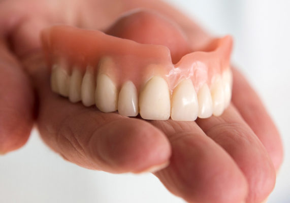 Best dentures fixing in Highton Geelong